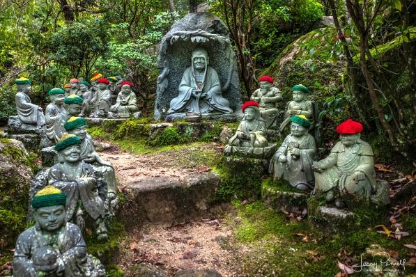D85_0655_stone monks3