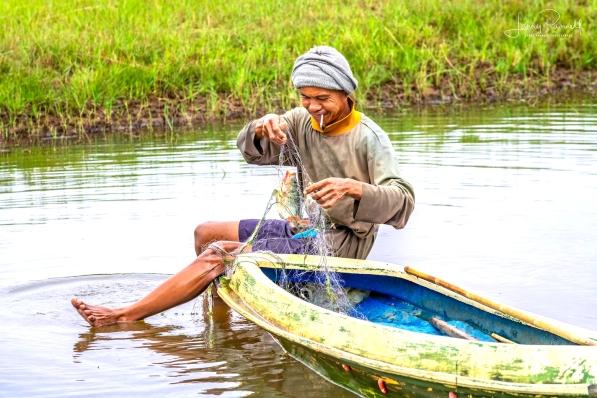 D85_0660_fisherman
