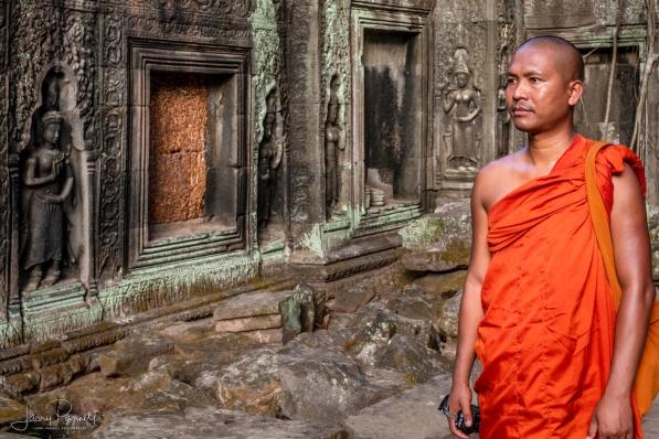 dcs 1421 ta prohm monk copy