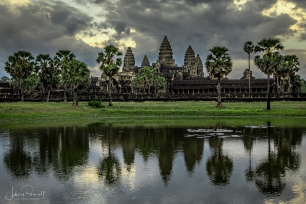 dcs 1542 angkor wat sunset pond copy