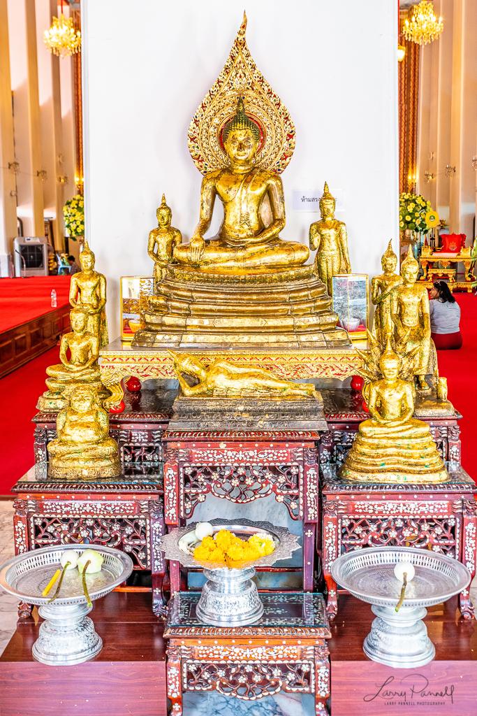 D85_2180-Edit_bangkok shrine