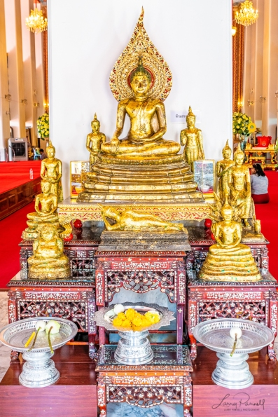 D85_2180-Edit_bangkok shrine