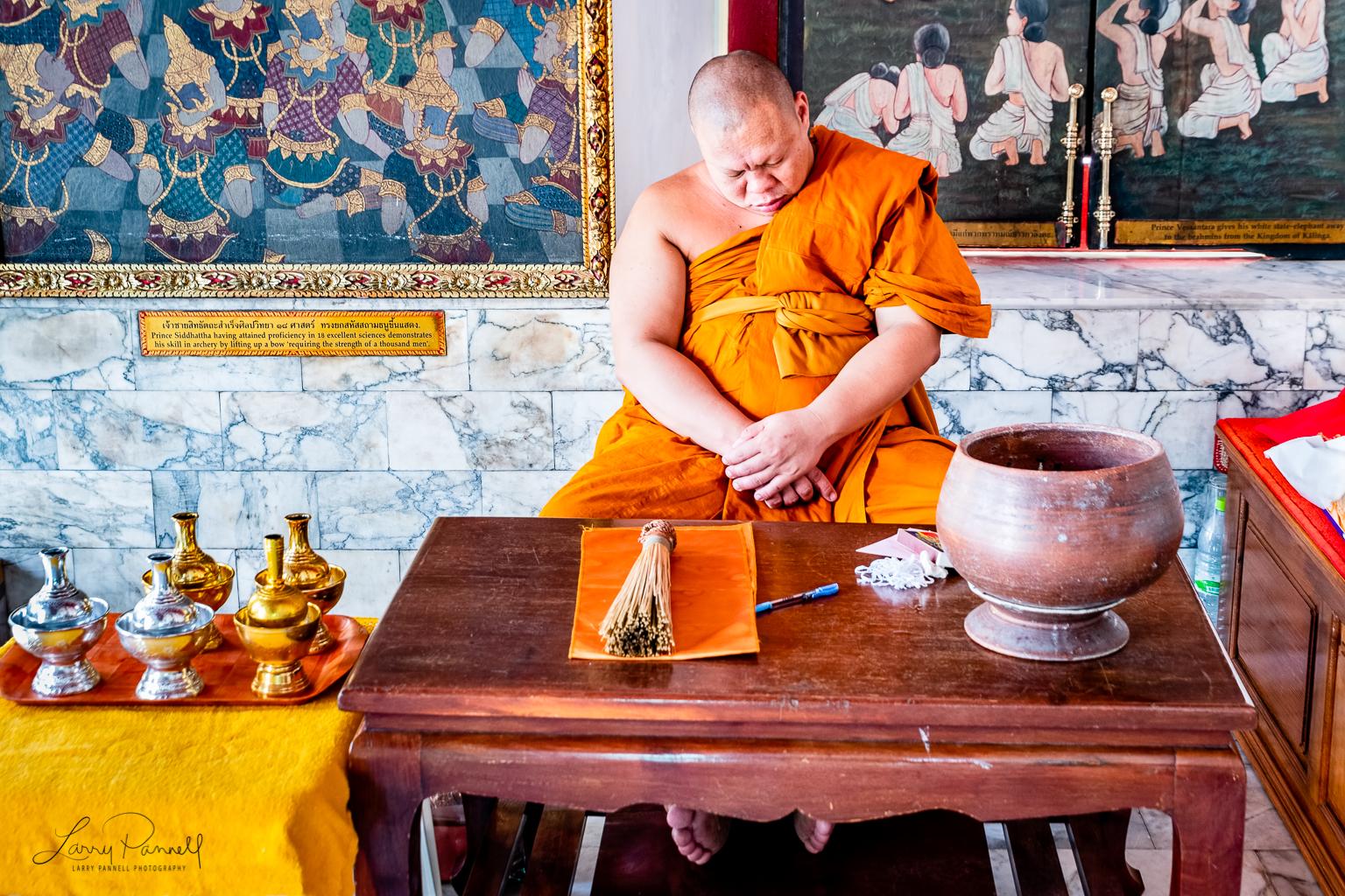 D85_2190-Edit_bangkok monk sleeping