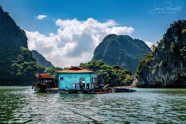 D85_1819 halong houseboat