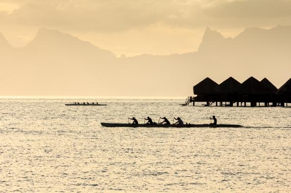 DSC 014 tahiti canoes